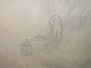 octopus opening jar