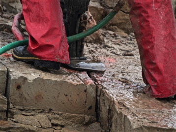 A wet saw was used for making deep cuts in the main area of the quarry.